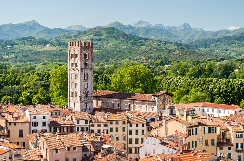 Lucca: hospitable city that shows its ancient Roman history